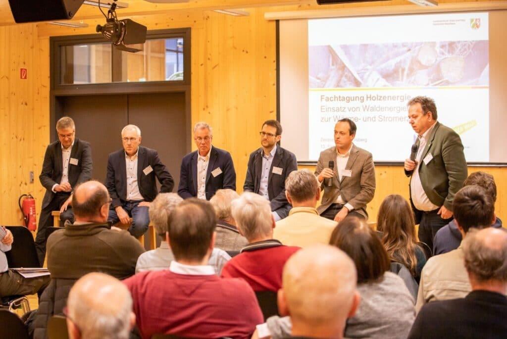 Die Referenten des Nachmittagsprogramms der Fachtagung Holzenergie im Zentrum HOLZ am 13. Februar 2020 (Bildquelle: PK-Media Consulting GmbH).
