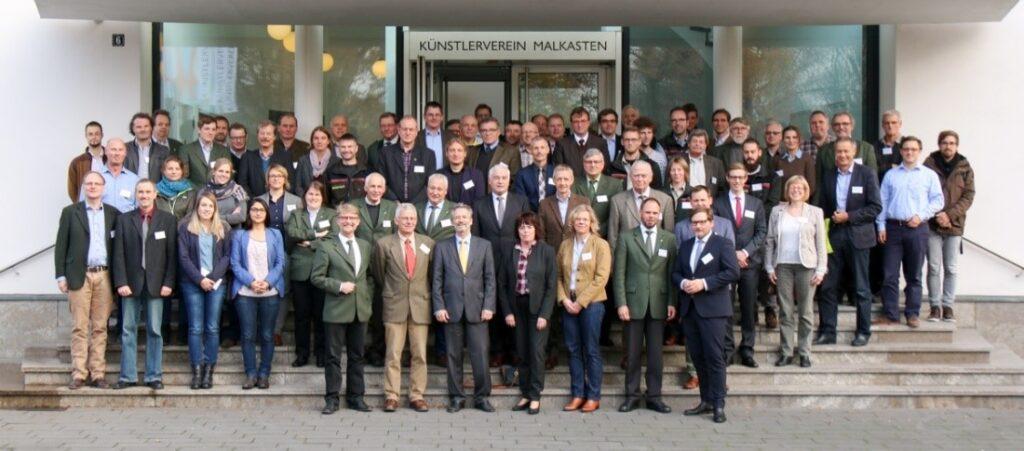 """Abschlussveranstaltung zum Waldklimafonds-Projekt """"Bewertung der Klimaschutzleistungen der Forst- und Holzwirtschaft auf lokaler Ebene (BEKLIFUH)"""" am 24. November 2016 in Düsseldorf (Bildquelle: PK-Media Consulting GmbH)."""